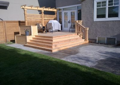 cedar-deck-and-techo-bloc-patio